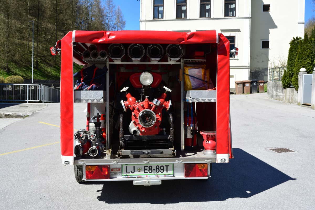 Priklopnik s prenosno motorno brizgalno PMB